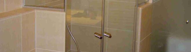 Egyedi méretű zuhanyajtók