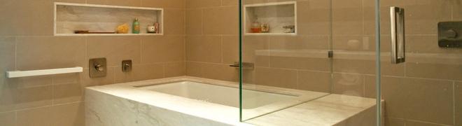 Az eredeti és elegáns fürdőszobák titka: a zuhanyfal