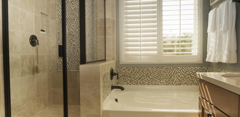 A méret a lényeg – Épített üveg zuhanykabin készítés egyedi méretben